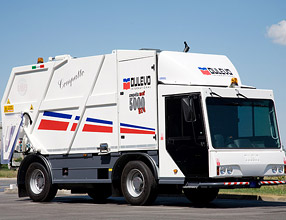 Street Cleaning Equipment � 5000 Compatto Waste Collector