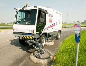 Street Cleaning Equipment - 5000 Veloce Sweeper