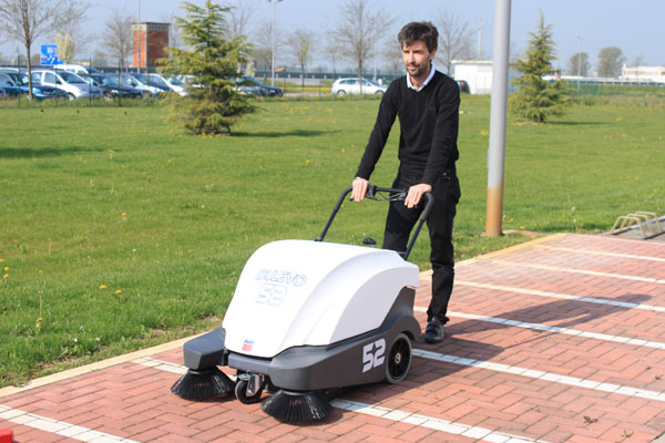 Industrial Cleaning Equipment пїЅ 52 Series Sweeper